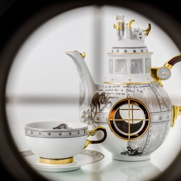 Jules Verne Porcelain Tea Set Limited Edition Crystallo by Thun Studio 1005